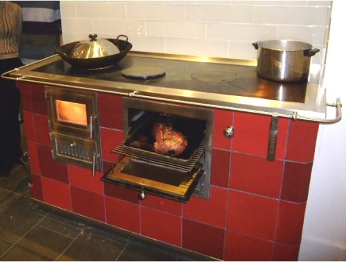 Cookstove with bake oven by Jessica Steinhauser